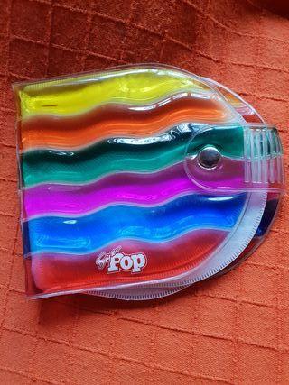 guarda CDs de la revista Superpop años 80
