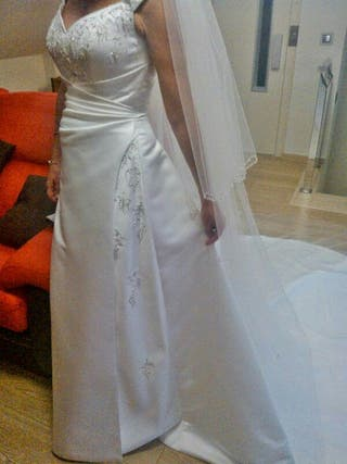 Vestido de novia,velo y cancan todo a estrenar