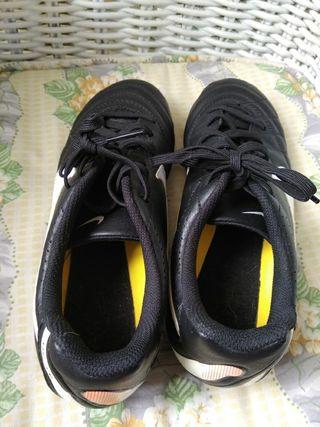 best sneakers 70c3e e84cf Futbol Segunda 10 De Zapatos En Valencia € Mano Nuevos 10€ Nike Por  H2IYED9eWb