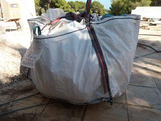sacas de arena vacías