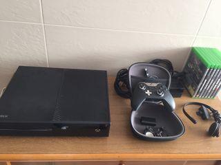 Xbox One Elite 1TB + Mando Elite + 8 Juegos