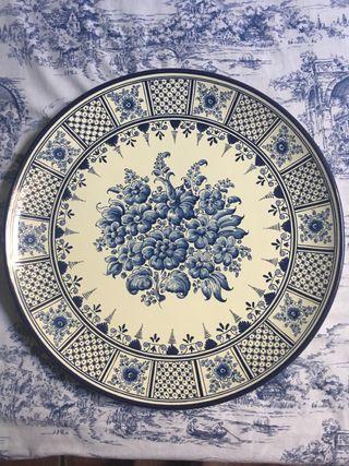 Gran plato de cerámica de Talavera