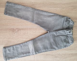 2 pantalones vaqueros niño