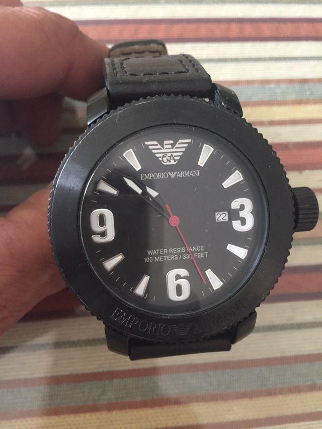 c0b14fadf846 Reloj emporio armani original de segunda mano por 150 € en Dos ...