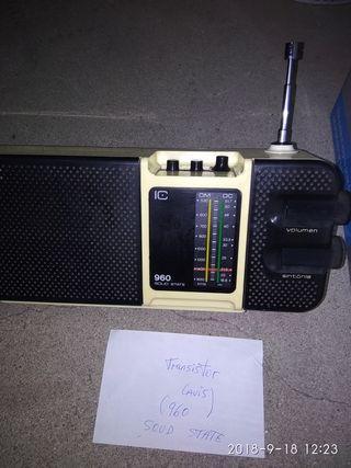 Radio,transistor lavis 960.Antiguo
