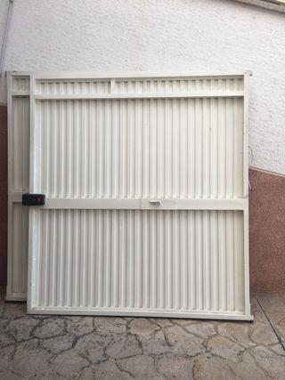 Cerradura puerta garaje de segunda mano en wallapop for Puertas de paso segunda mano