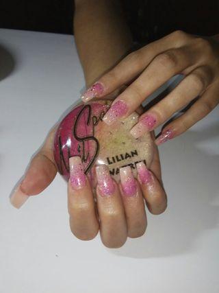 Quieres tener unas uñas bonitas y duraderas?