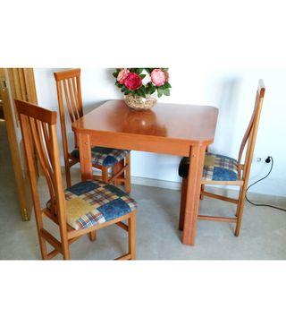 Mesa comedor con sillas de segunda mano en Pontevedra en WALLAPOP
