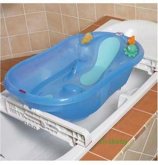 bañera bebe sobre bañera