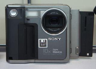 Cámara retro Sony MVC-FD7