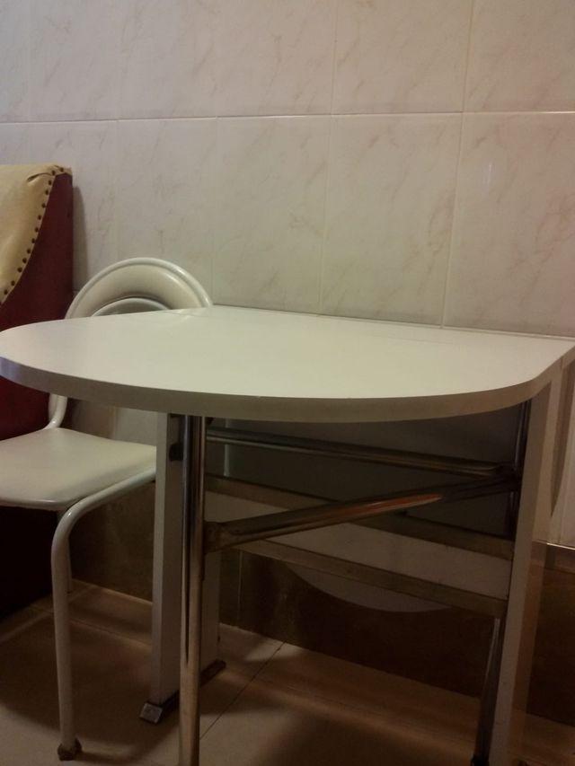 Mesa Cocina Blanca De Segunda Mano Por 40 En Berga En Wallapop - Mesa-cocina-blanca