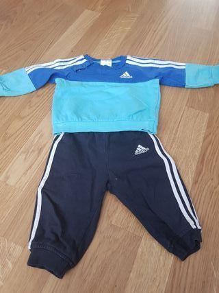 Chandal Adidas bebe de segunda mano en Madrid en WALLAPOP 28948c0e519