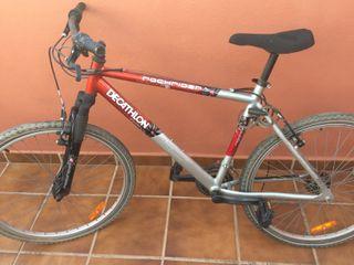Bicicleta Decathlon rockrider para reparar.