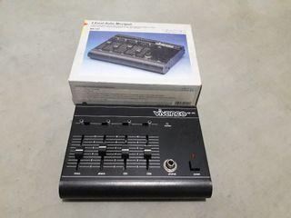 Mesa mezclas audio 4 canales.