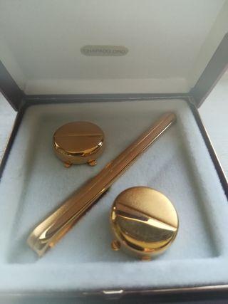 conjunto chapado en oro