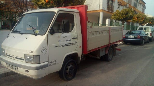 Nissan Trade 1998