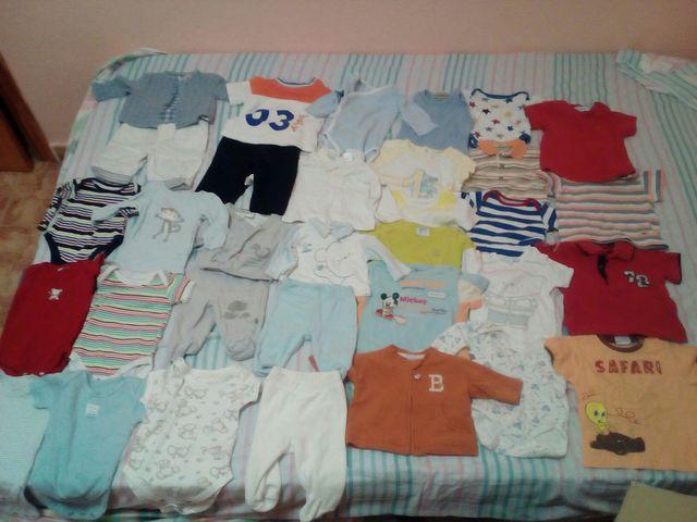 Lote 32 prendas ropa niño 0 a 6 meses de segunda mano por 25 € en ... 2815d3a42c2