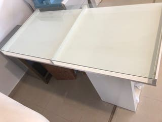 Mesa de trabajo de diseño. Ikea.