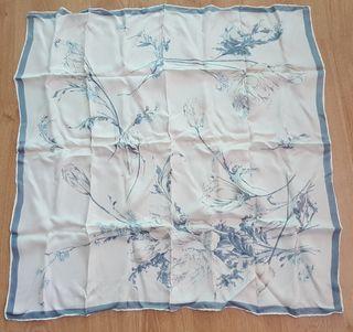 Pañuelo foulard