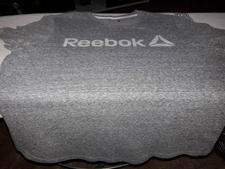 Camiseta de chica de Reebok.