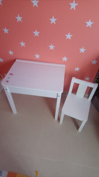 mesita para niño o niña con silla