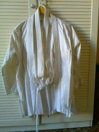 kimono karate / arts marcials