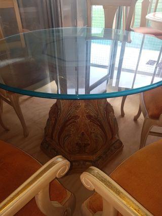 mesa de madera tallada con cristal 1.10