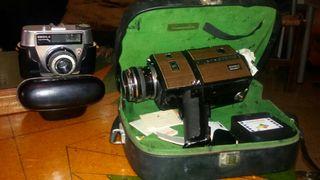 Videocámara y cámara antigua