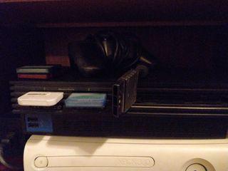 PlayStation 2 con varios mandos