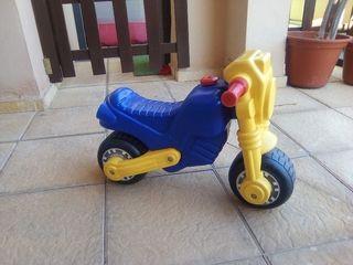 moto de bebe correpasillos
