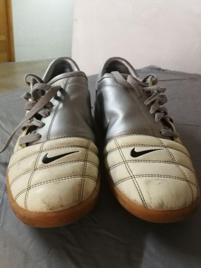 Zapatillas de futbol sala NIKE Total 90 de segunda mano por 12 € en ... ddefdad2ed6bc