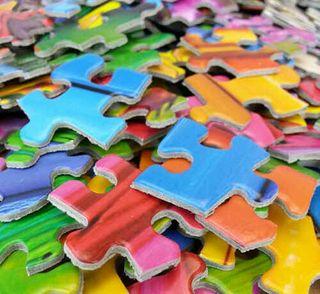 Se montan todo tipo de puzzles ,lego y hama beads