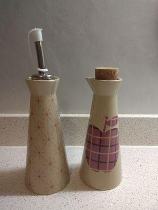 Aceitera y vinagrera -¡nuevas!