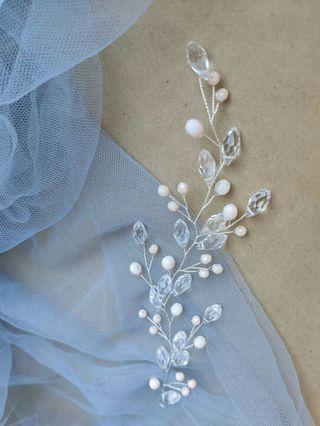 Precioso tocado artesanal, de cristal y perla