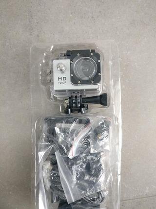 camara de accion HD con accesorios.