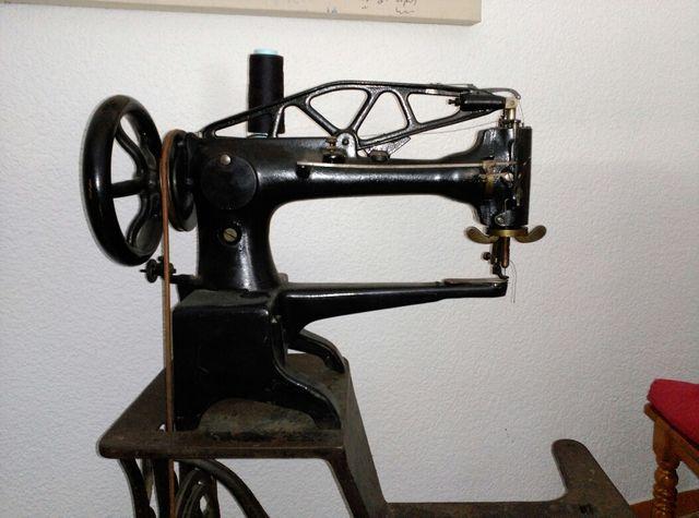 Máquina de coser de zapatos Singer de segunda mano por 1
