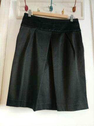 Falda negra Zara talla M
