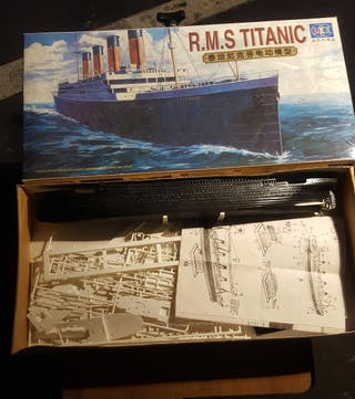 Maqueta barco Titanic