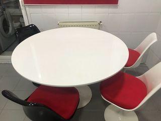 Mesa y 4 sillas diseño