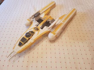 Star Wars nave Y-wing Bomber.