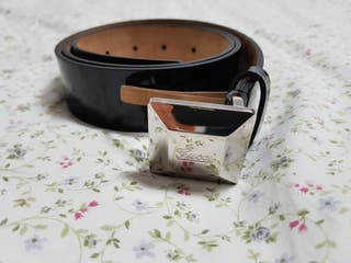 Cinturón de mujer Gucci de segunda mano en WALLAPOP 8e73911355c