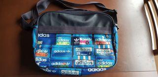 mochila bandolera adidas originals nueva!!!