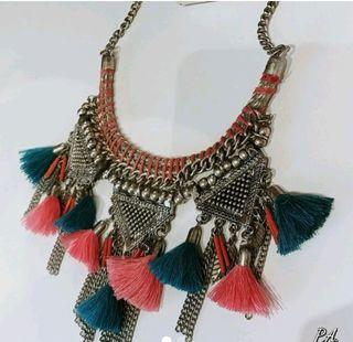 collar etnico flecos