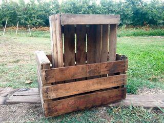 Cajas de fruta de madera para restaurar