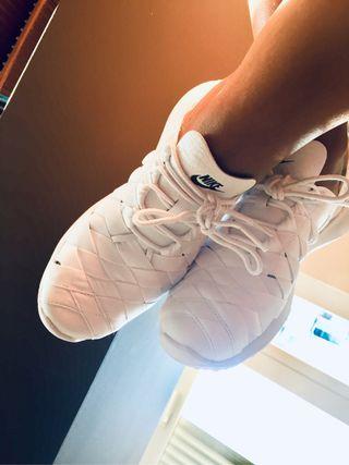 Zapatillas Nike Juvenate A ESTRENAR