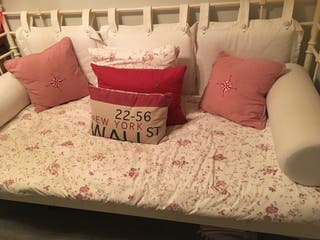 Cama 2m x 90 cm, colchón y complementos foto