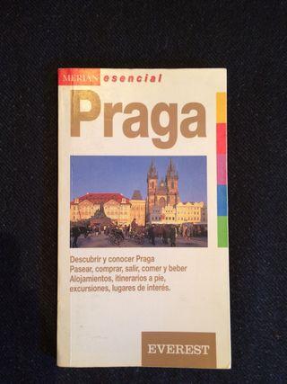 Guía de viaje PRAGA de meridian con mapa