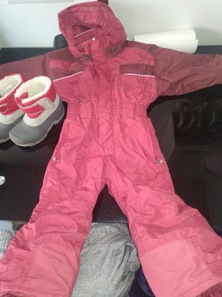 traje o buzo nieve y botas niño/a marca quechua