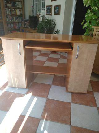 Mueble de ordenador