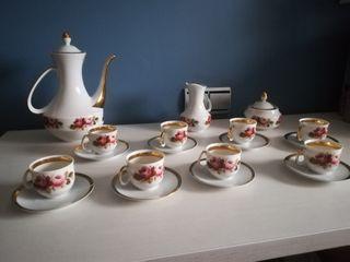 Exquisito juego de café de porcelana fina apean